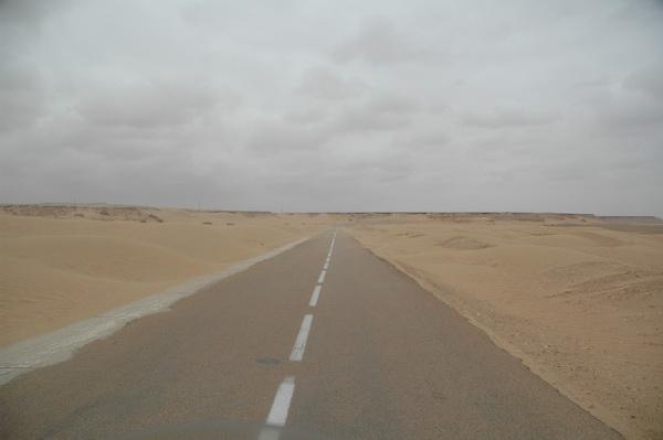 Mucha recta en el Sáhara