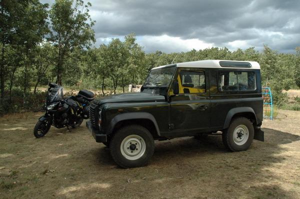 Con el coche del forestal de Cabrera