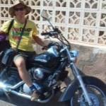 Alejandro en moto