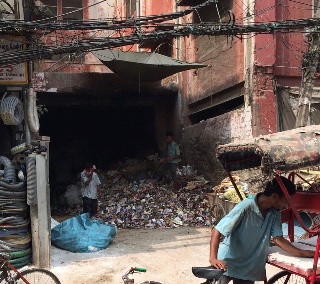 Basurero en el centro de Delhi